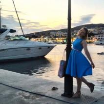 Марина в голубом ретро-платье «Стиляги»