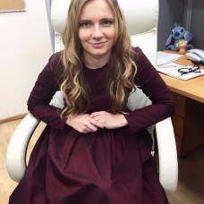 Покупательница Евгения в бордовом платье нью-лук/newlook