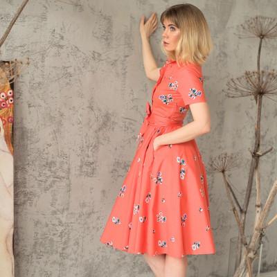 Оранжевое платье нью-лук с пышной юбкой и тонкой талией