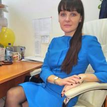 Татьяна в синем платье «Форс-мажоры»