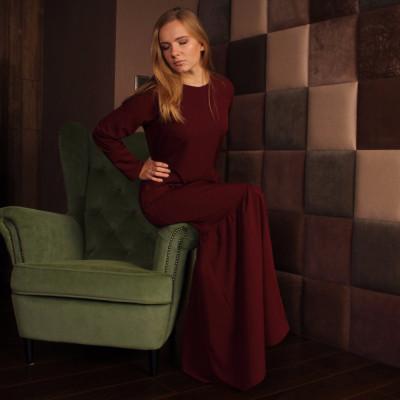 Купить бордовое платье с воланом и карманами