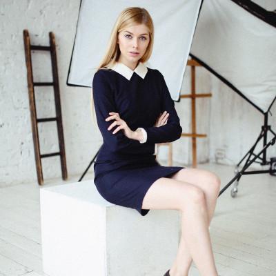 Купить платье с воротником и манжетами недорого